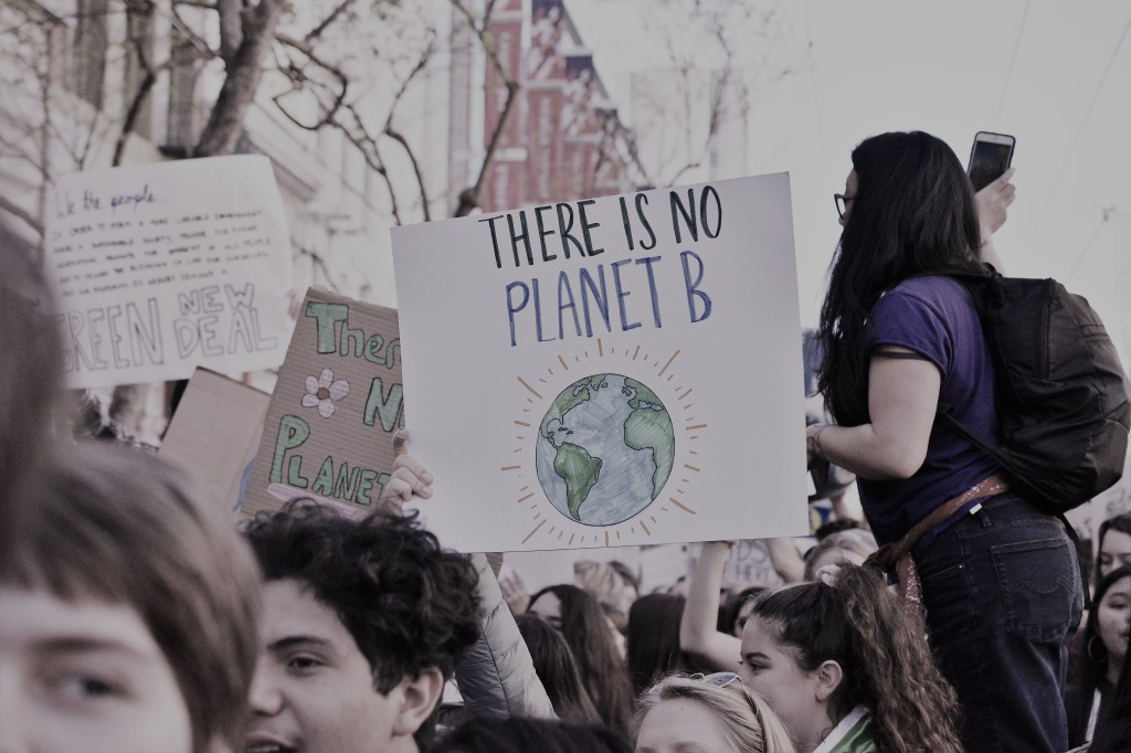 """Climate protest: """"There is no Planet B"""""""